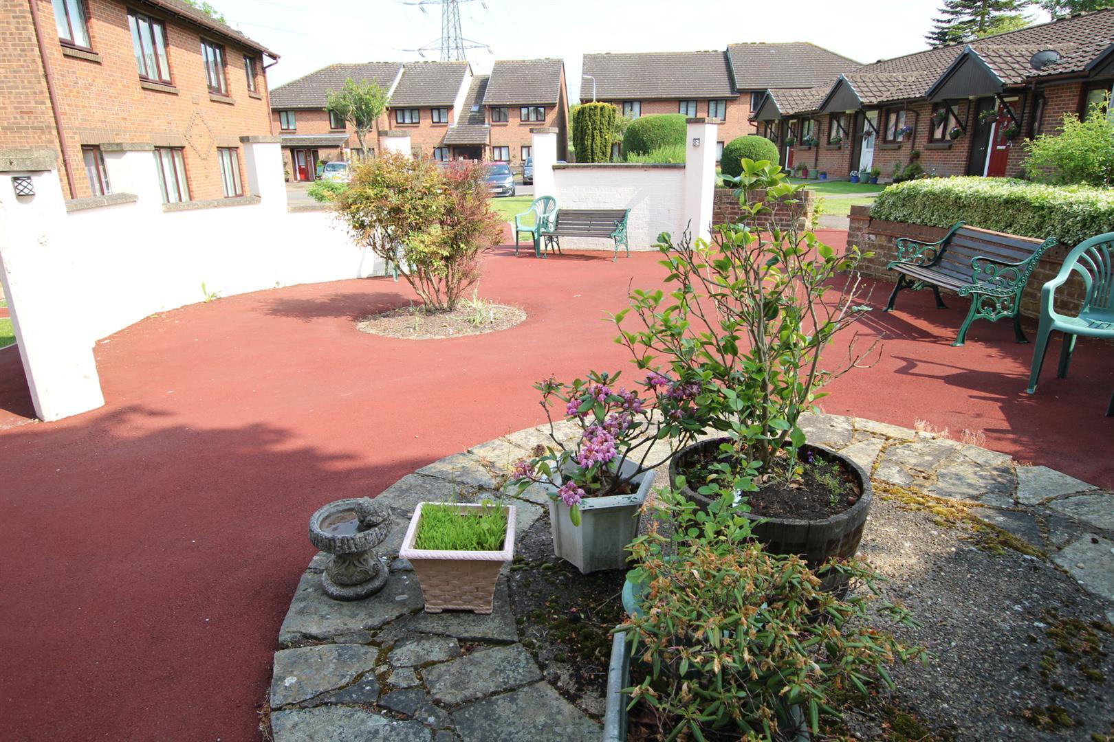 Communal Grounds (1)